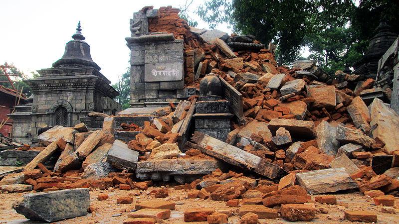 2015_Earthquake_in_Nepal-Pashupatinath_Temple_Area_(12)